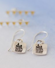 LSS_house stud earrings w bunting stud-526