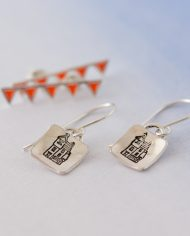 LSS_house stud earrings w bunting stud-536